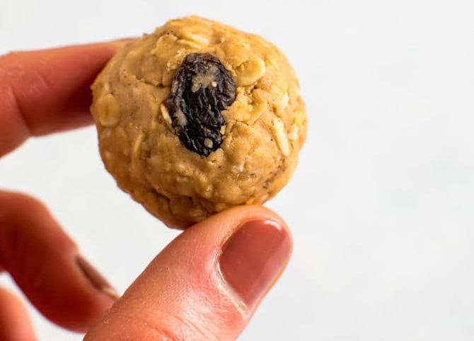 protein balls cinnamon raisin cookie
